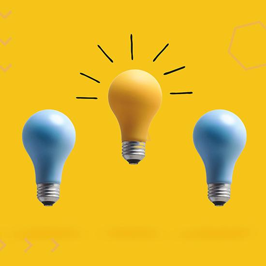 3 ampoules, une jaune qui brille deux bleues éteintes